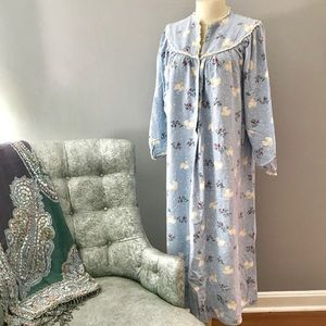 Lanz of Salzburg Flannel Nightgown Love Doves sz S